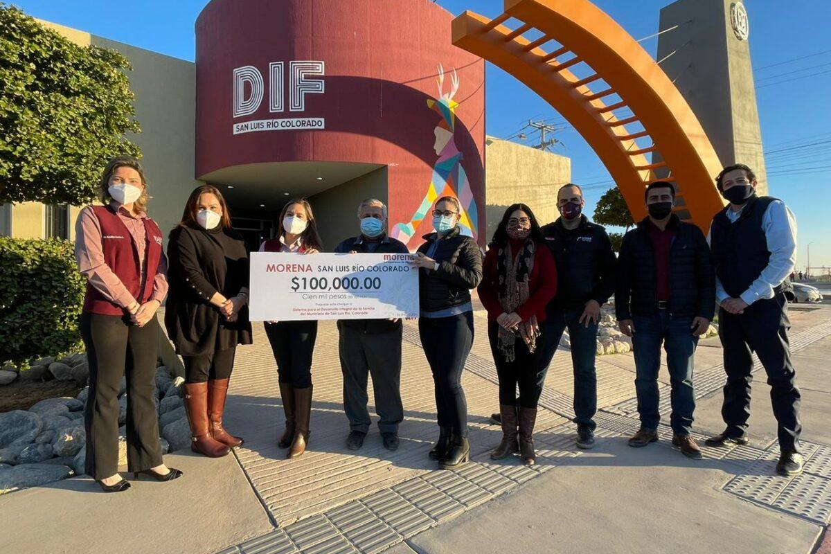 Militantes de Morena donan al DIF Municipal 100 mil pesos