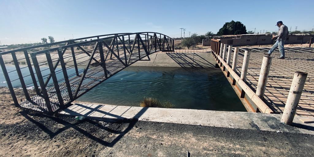 Instalan base de cruce peatonal en puente de la Topahue