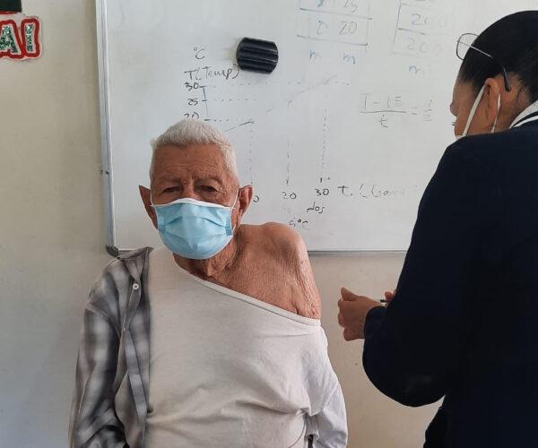 Con 20 puestos se vacuna a adultos mayores de localidades de Etchojoa