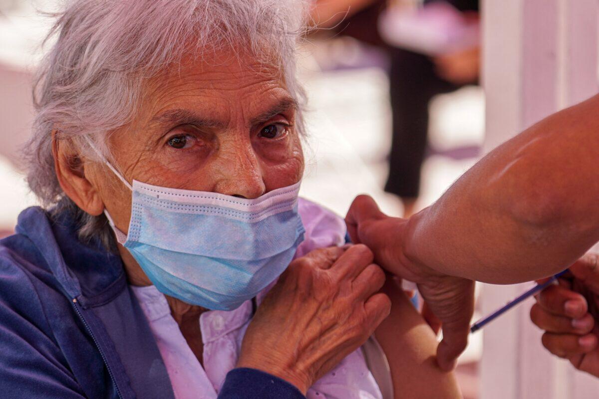 Afinan detalles para segunda aplicación de vacunas