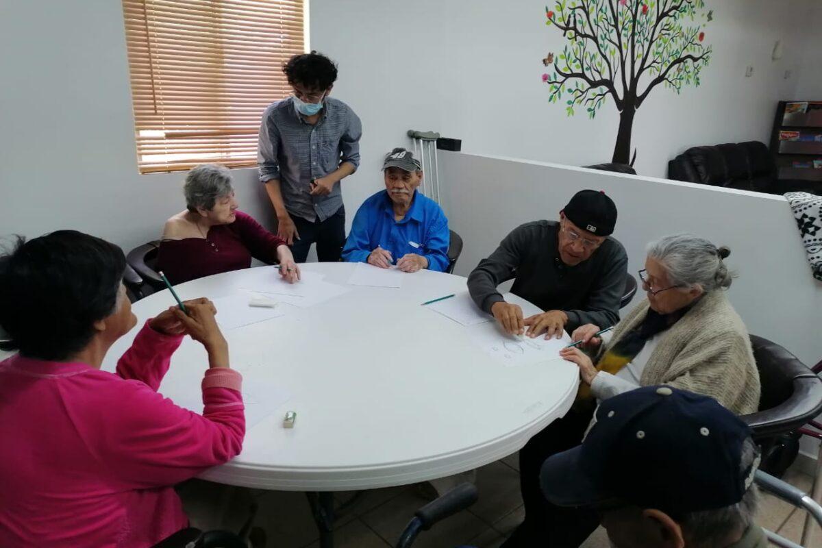 Llevan cursos artísticos a la Villa del Abuelo