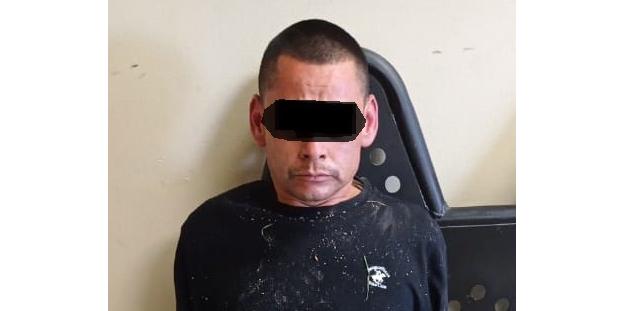 Arrestan en flagrancia a presunto roba carros