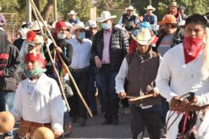 """Se reúne el """"Borrego"""" con miembros de la etnia Mayo"""