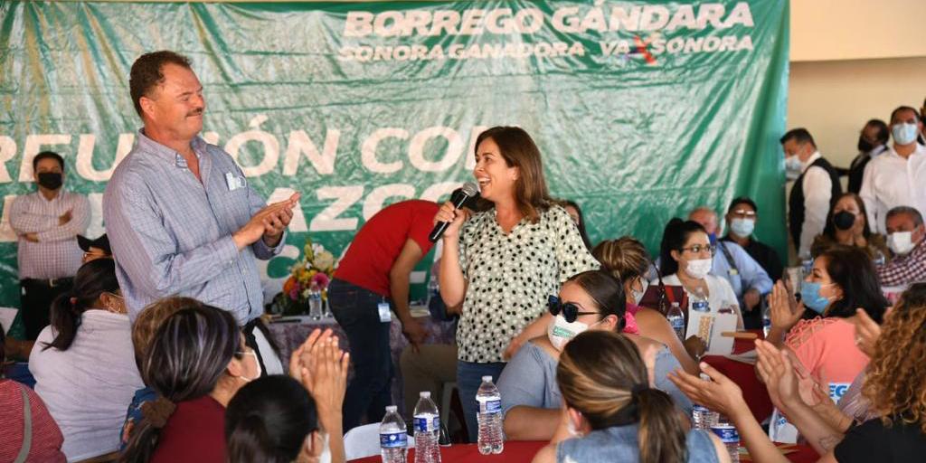 """Se reúne El """"Borrego"""" con mujeres sonorenses"""