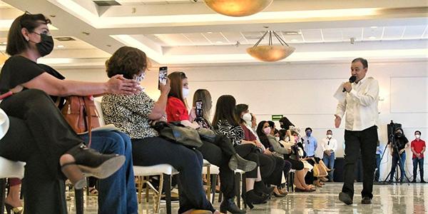 Ante mujeres emprendedoras, Durazo se comprometió a dar prioridad a empresas sonorenses