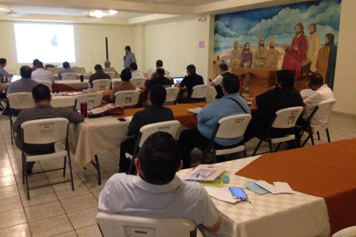 Planea Diócesis de Mexicali acciones por sus comunidades