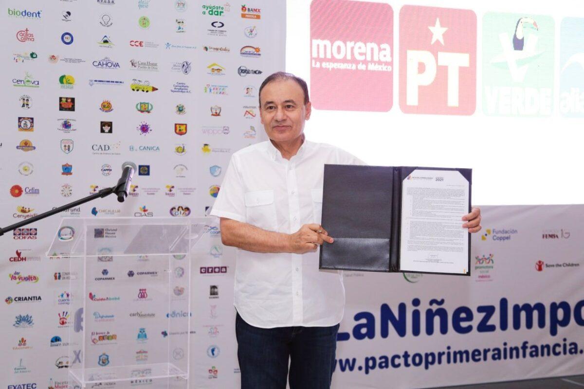 Alfonso Durazo firma el Pacto por la Primera Infancia