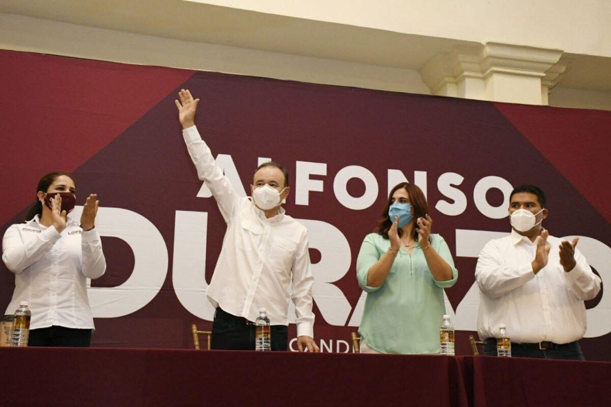 Alfonso Durazo presenta el proyecto de política educativa ante docentes del estado.