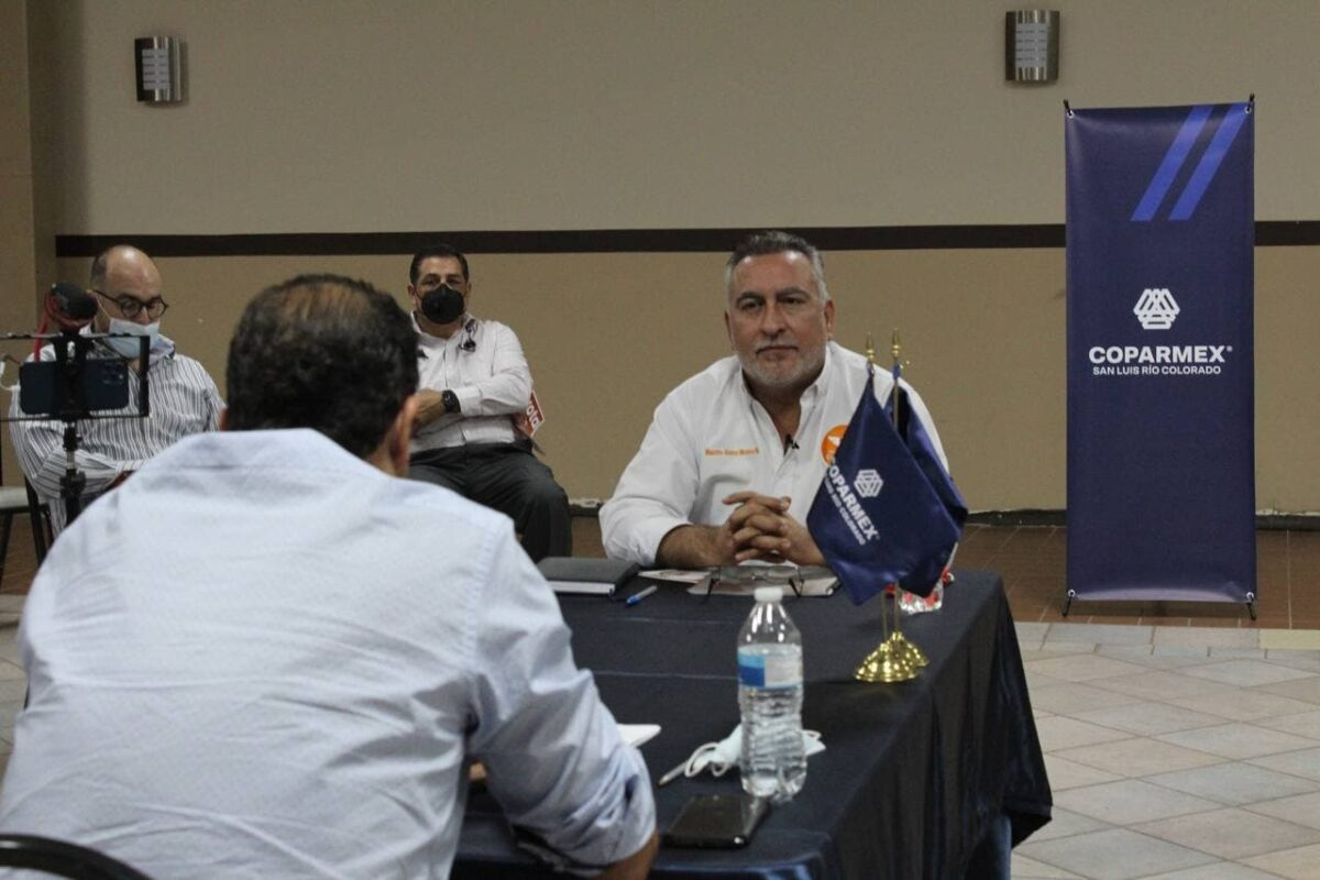 Montes Piña pretende reactivar la economía de la mano de los empresarios y cámaras de SLRC