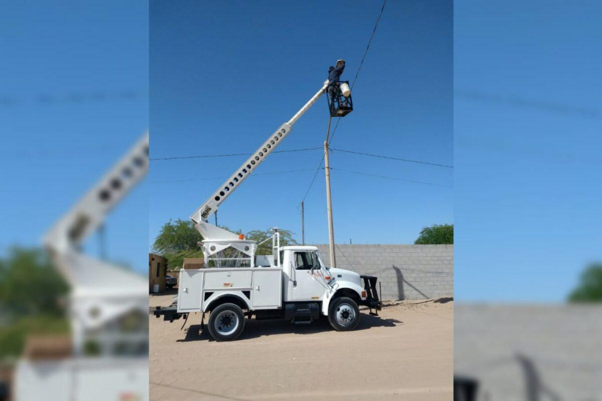 Rehabilitan 251 lámparas de la colonia Mezquite