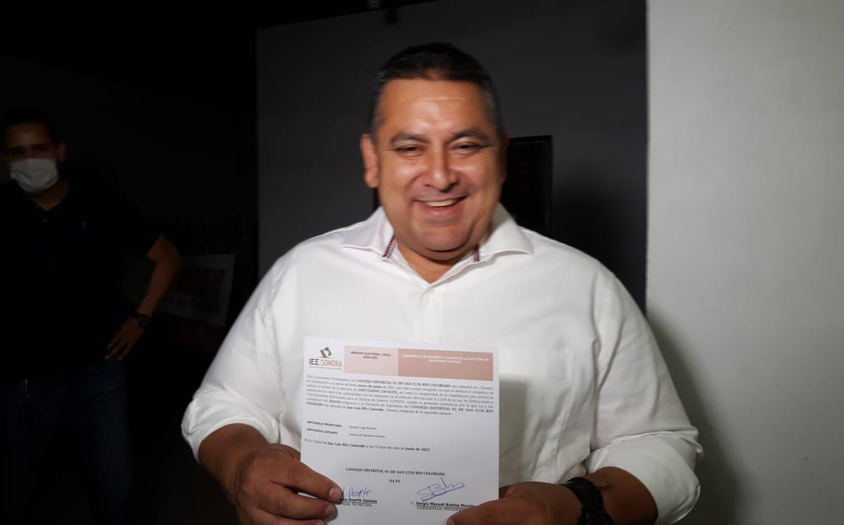 Recibe Lugo Moreno Constancia de Diputado local