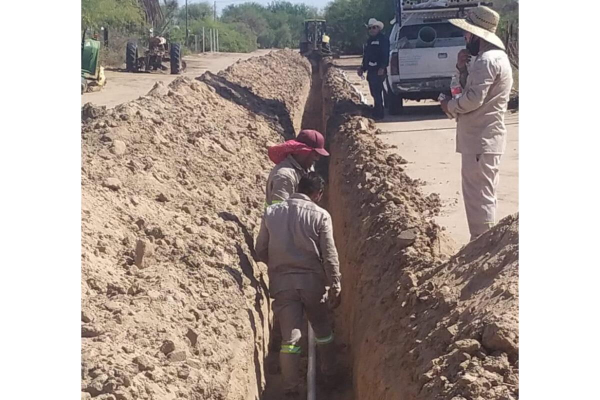 Combate Oomapas rezago en abastecimiento de agua en el valle de SLRC