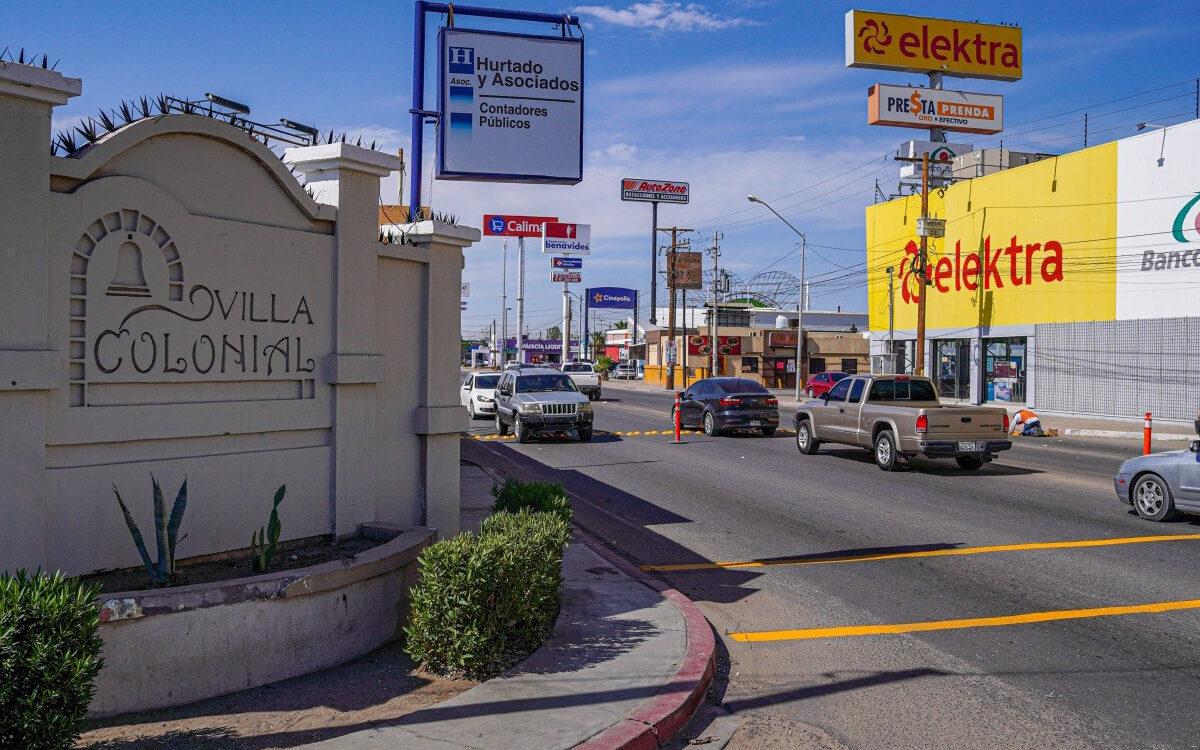 Advierten autoridades municipales precaución tras el retiro de altos en entrada de Villa Colonial