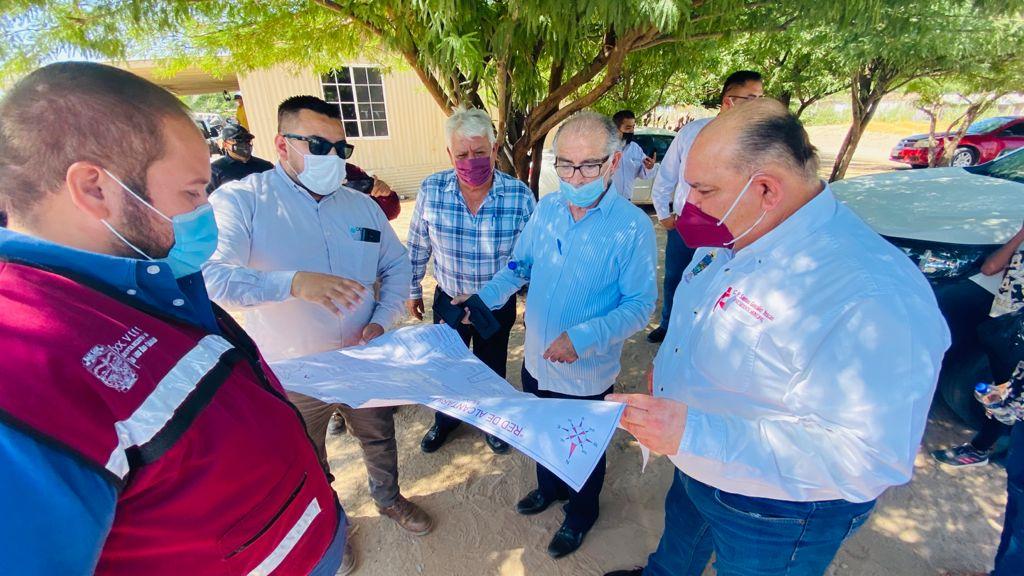 Supervisa Alcalde introducción de agua potable y drenaje en el valle de SLRC