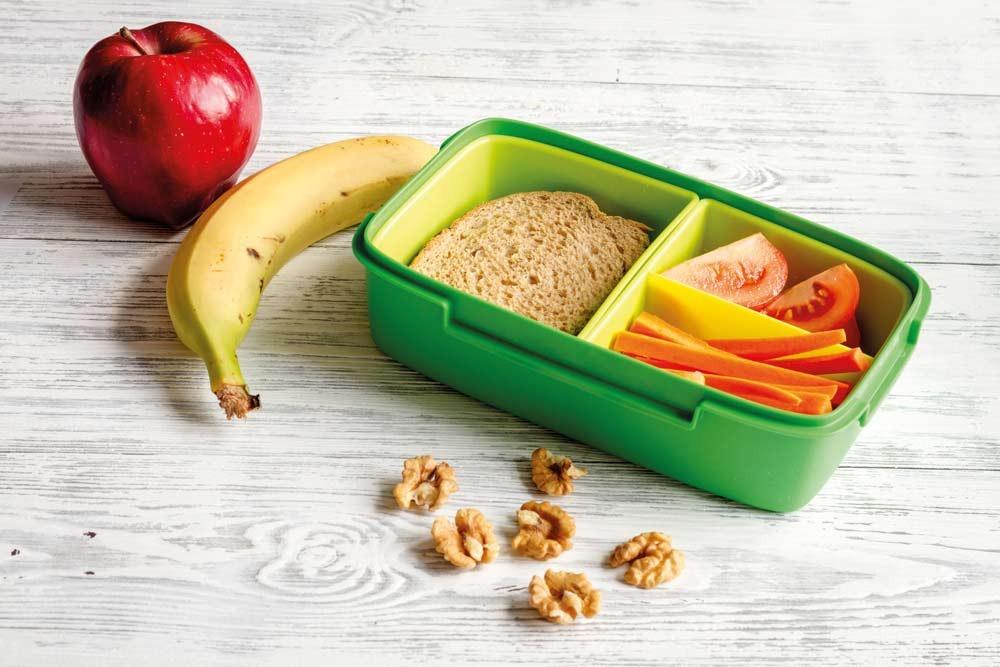 Llama departamento de Nutrición a preparar lonchera saludable
