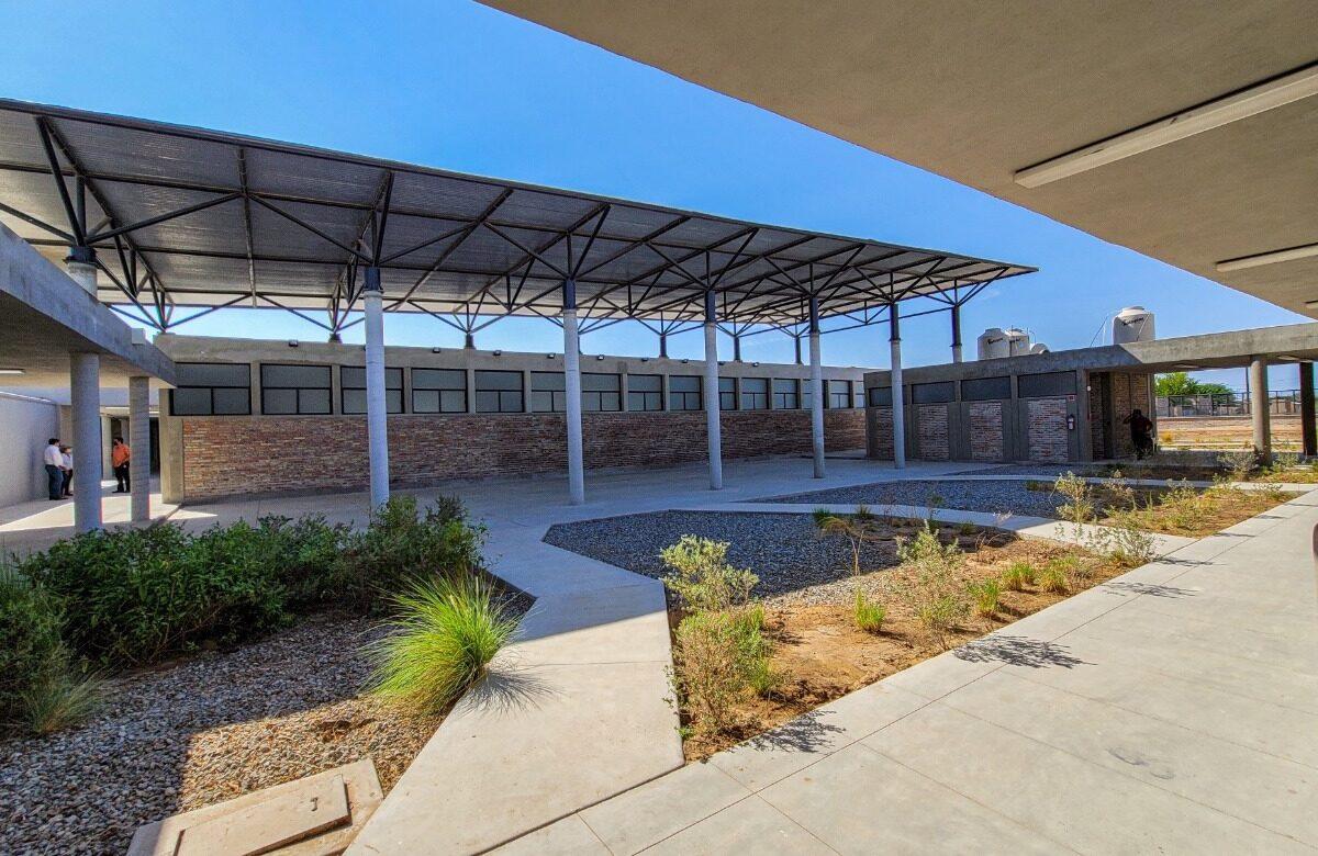 Celebra Alcalde nuevas escuelas en la Topahue