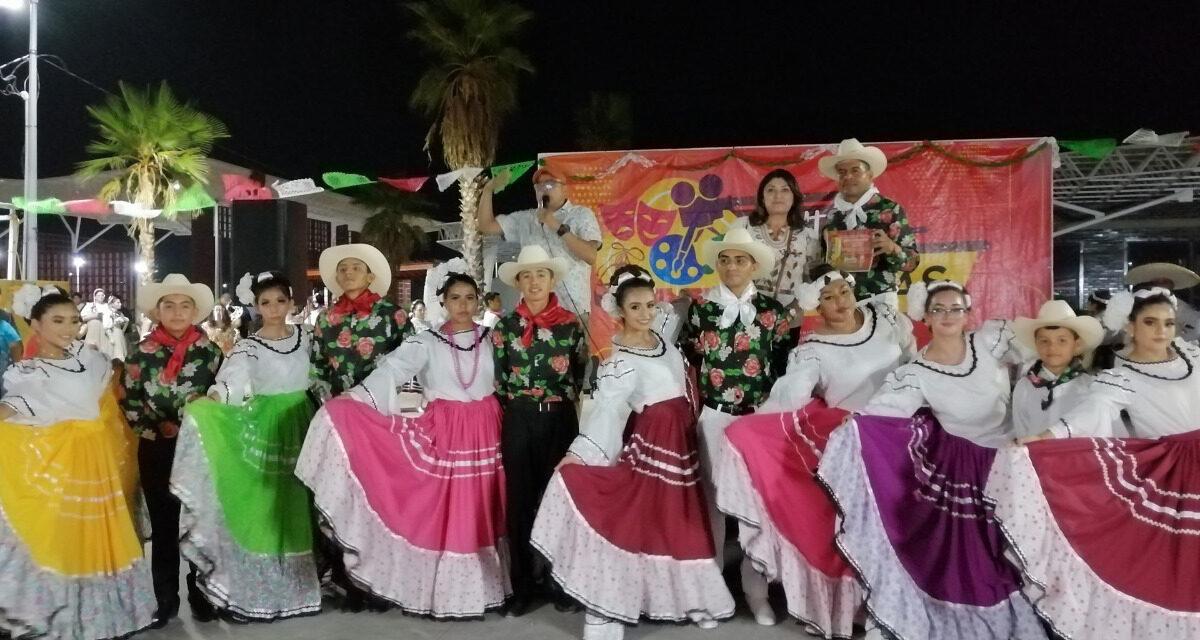 """Realizan con éxito """"Mexicanísimo"""" en Cultura Sobre Ruedas"""