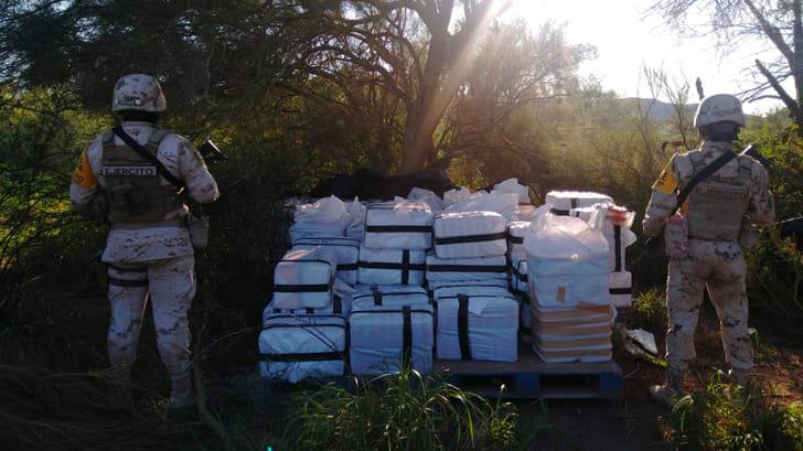 Decomisa SEDENA una tonelada de metanfetaminas en Caborca