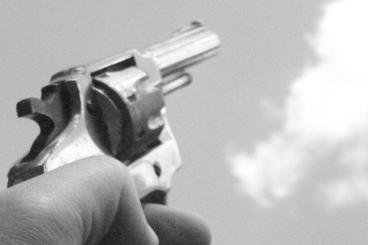 Lesionan con arma de fuego a hombre en el estomago